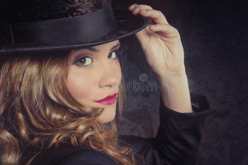 Frau mit Zylinder stockfotos