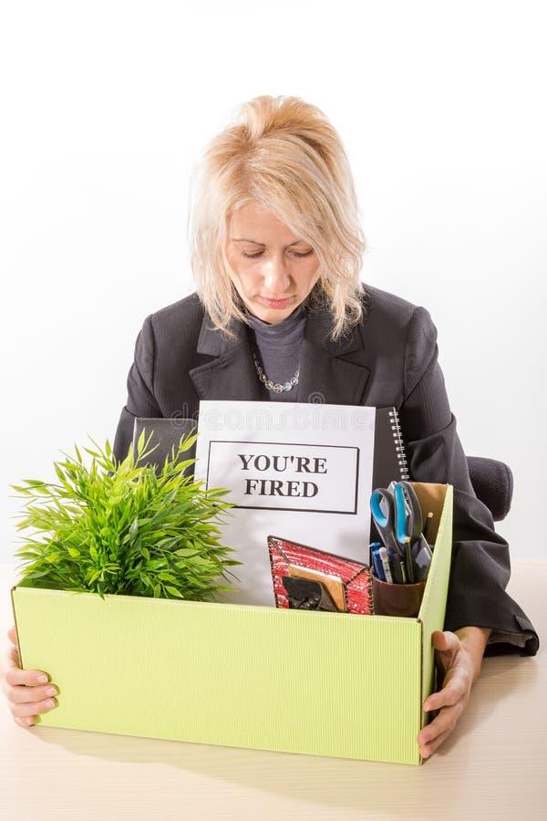 Frau, nachdem Job gelöst worden ist lizenzfreie stockfotos