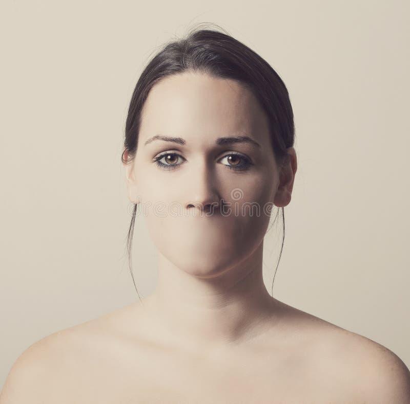 Frau ohne Mund stockfotos
