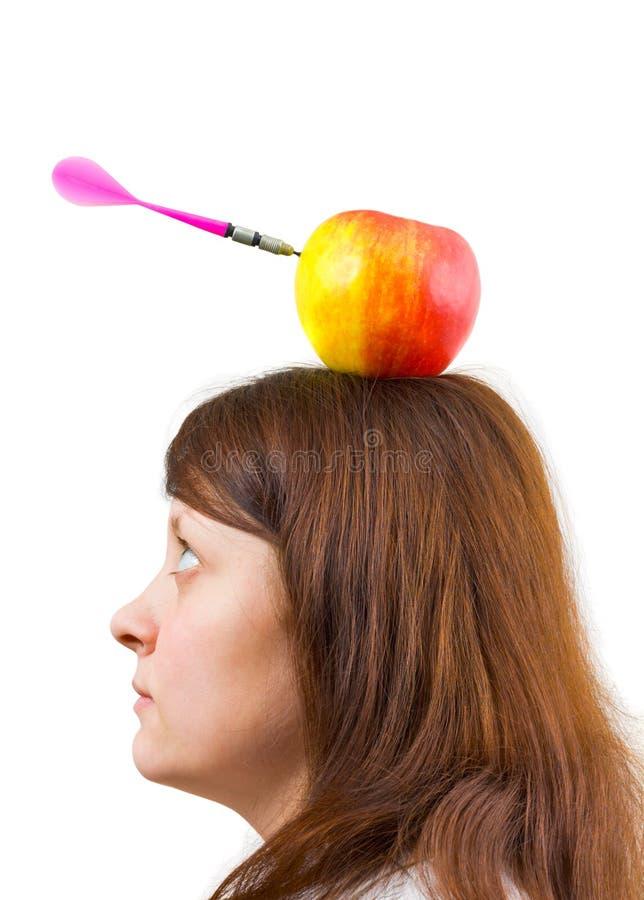 Frau und Apfel mit Pfeil lizenzfreie stockfotos