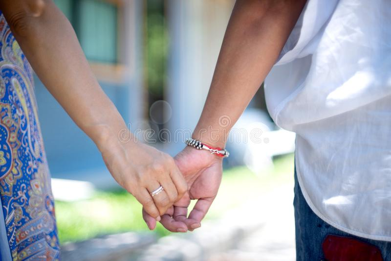 Mädchen Fingern ihre Freundin