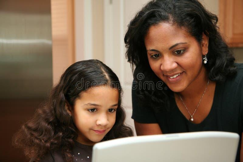 Frau und Tochter stockbilder
