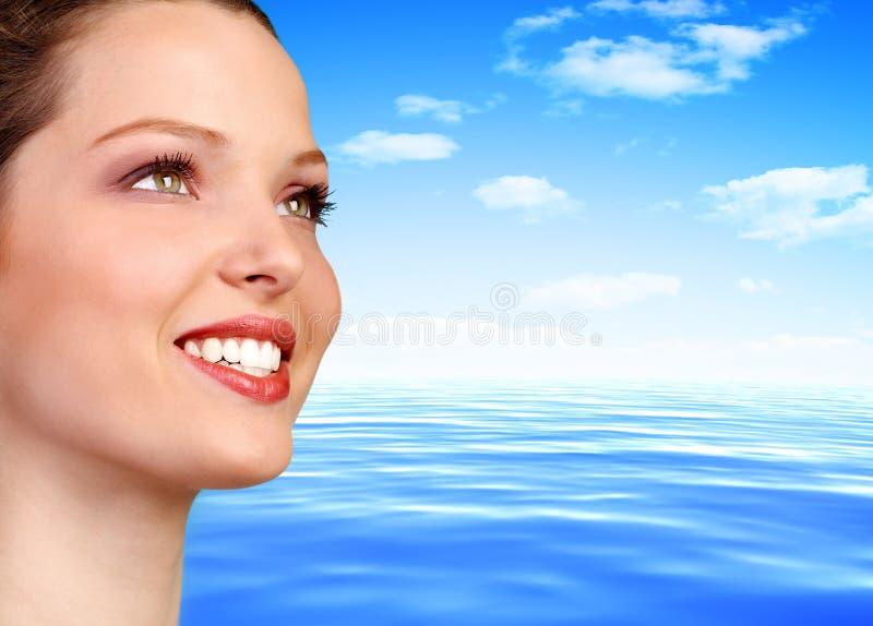 Frau und Wasser lizenzfreie stockbilder