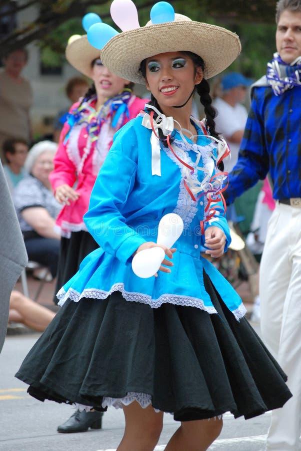 Frau von Peru bei Folkmoot USA stockfotografie