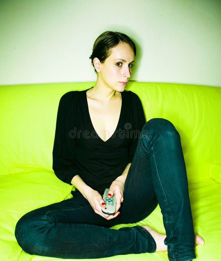Frau zu Hause lizenzfreies stockfoto