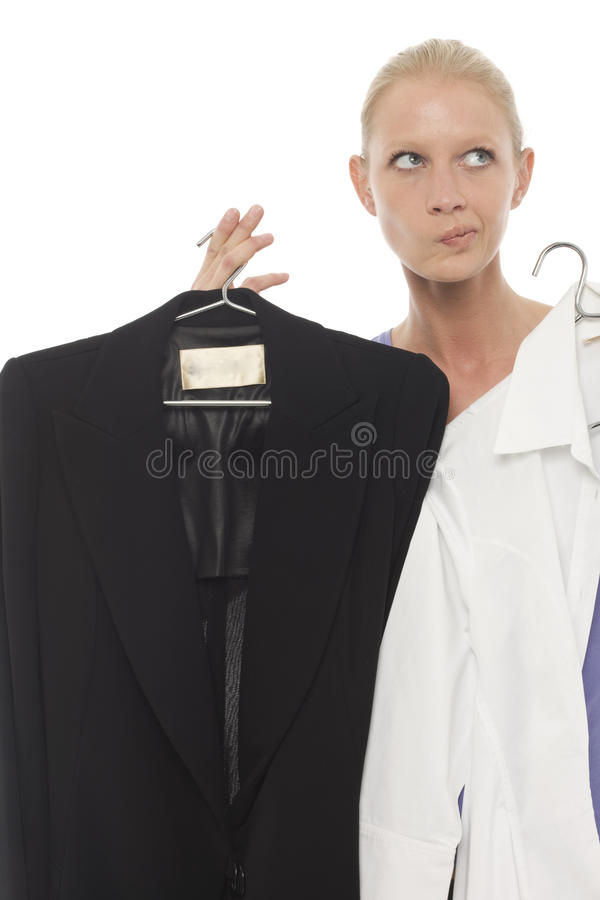 Frau zweifelhaft mit Jacke und Hemd stockbild
