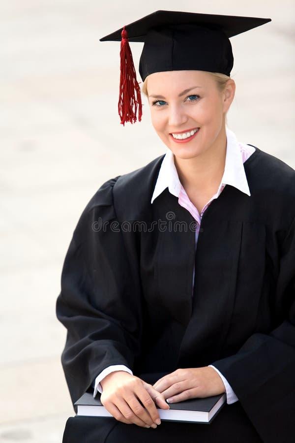 Frauabsolventlächeln stockfotos