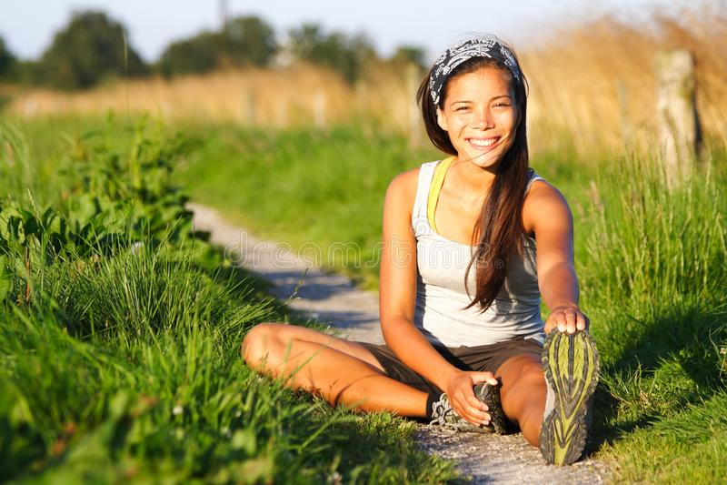 Frauenübung lizenzfreie stockfotografie