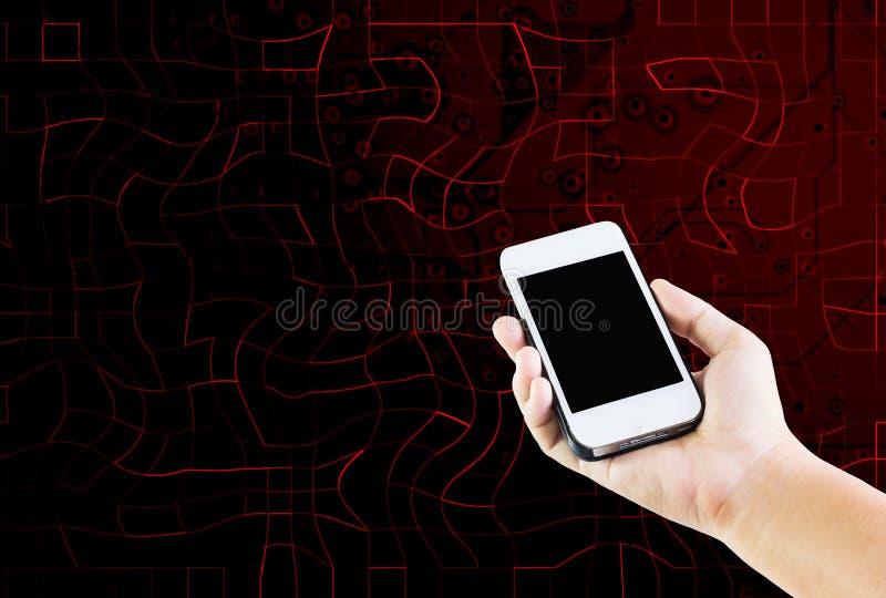 Frauen übergeben das Halten des Mobiltelefons auf Technologiezusammenfassungshintergrund lizenzfreies stockfoto