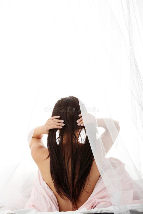 Frauen-Akt stockbild. Bild von inländisch, schlafzimmer ...