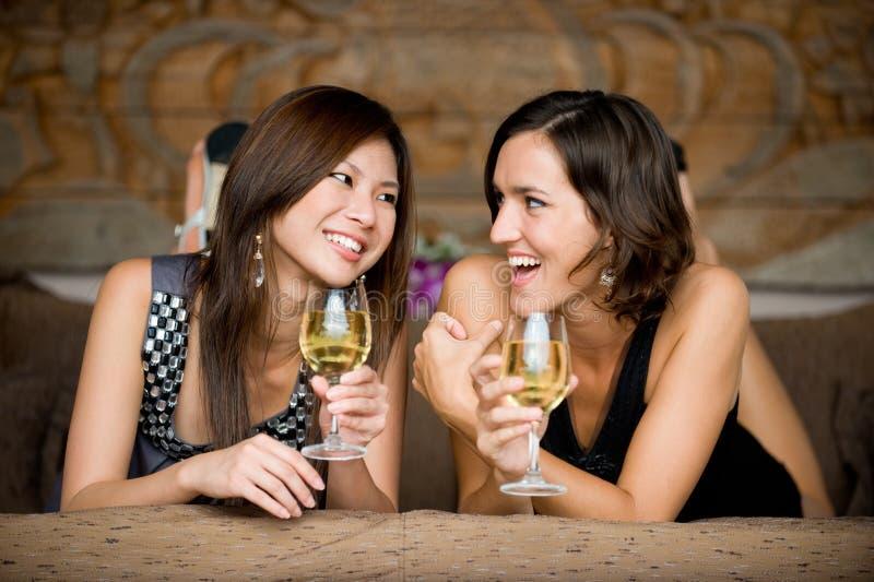 Frauen auf Ferien stockbilder