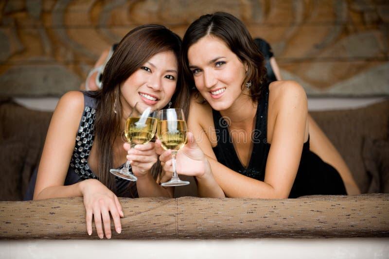 Frauen auf Ferien lizenzfreie stockbilder