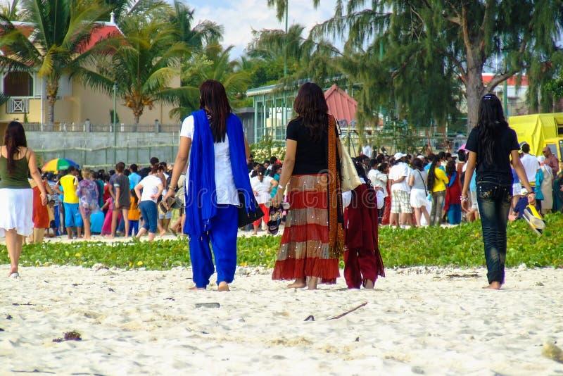Frauen auf Ganesh Chaturthi lizenzfreie stockbilder