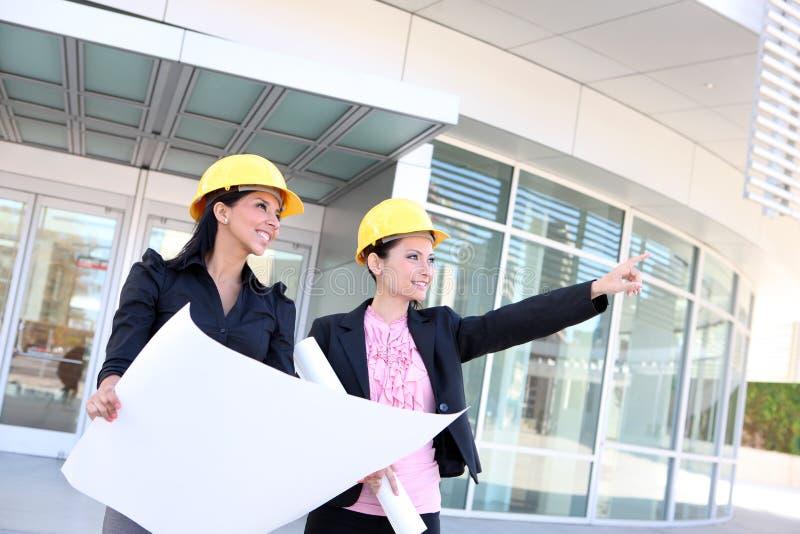 Frauen-Aufbau-Team lizenzfreie stockfotos