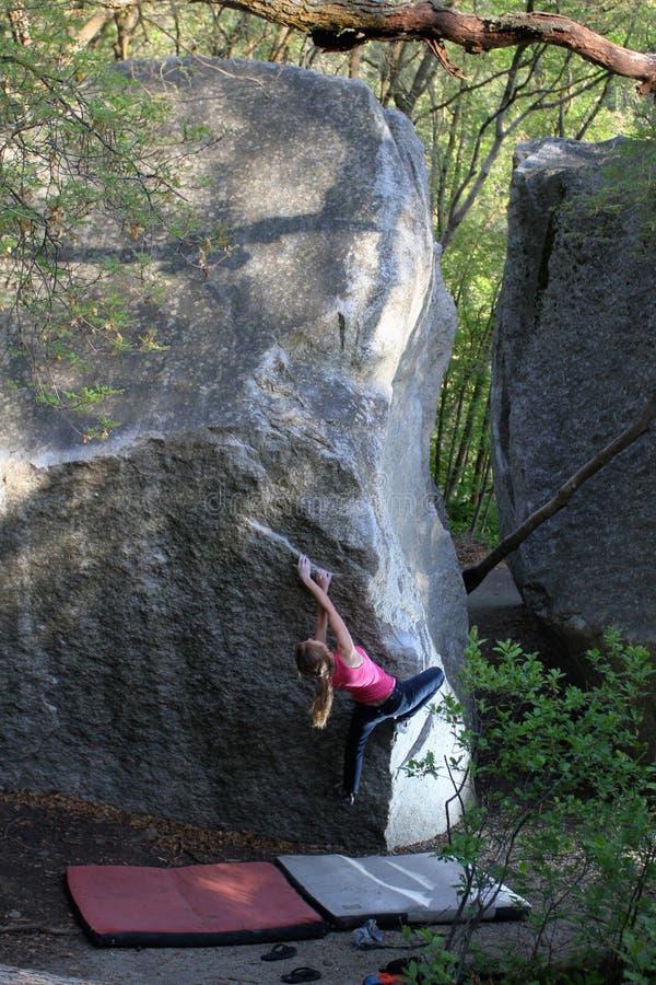 Frauen-Bergsteiger stockbild