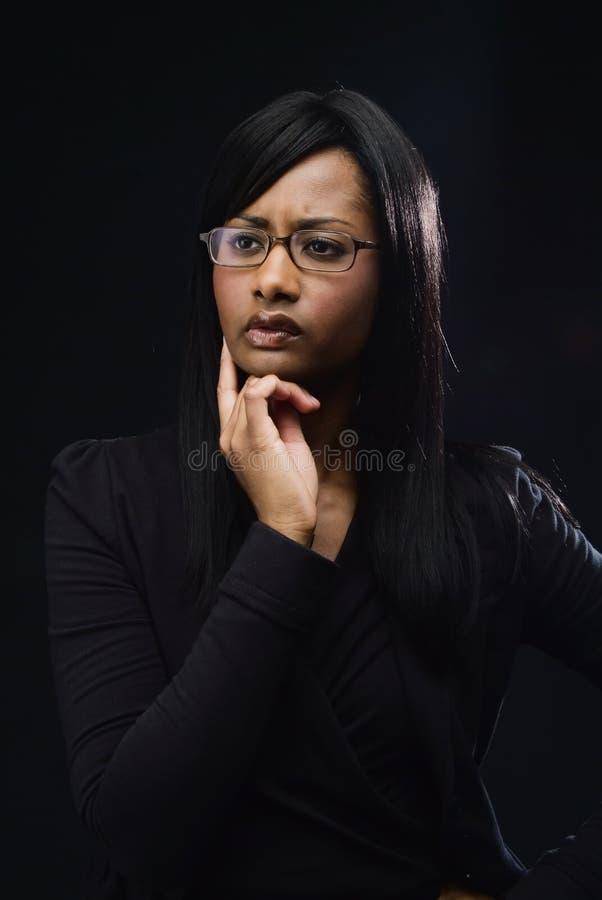 Frauen-Denken stockfotografie