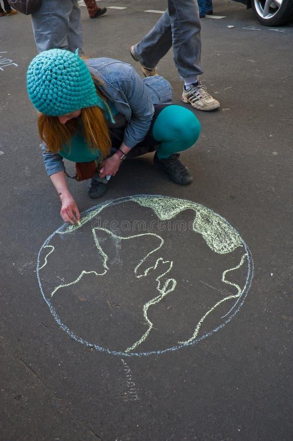 Frauen, die gegen Kernkraft demonstrieren stockfoto