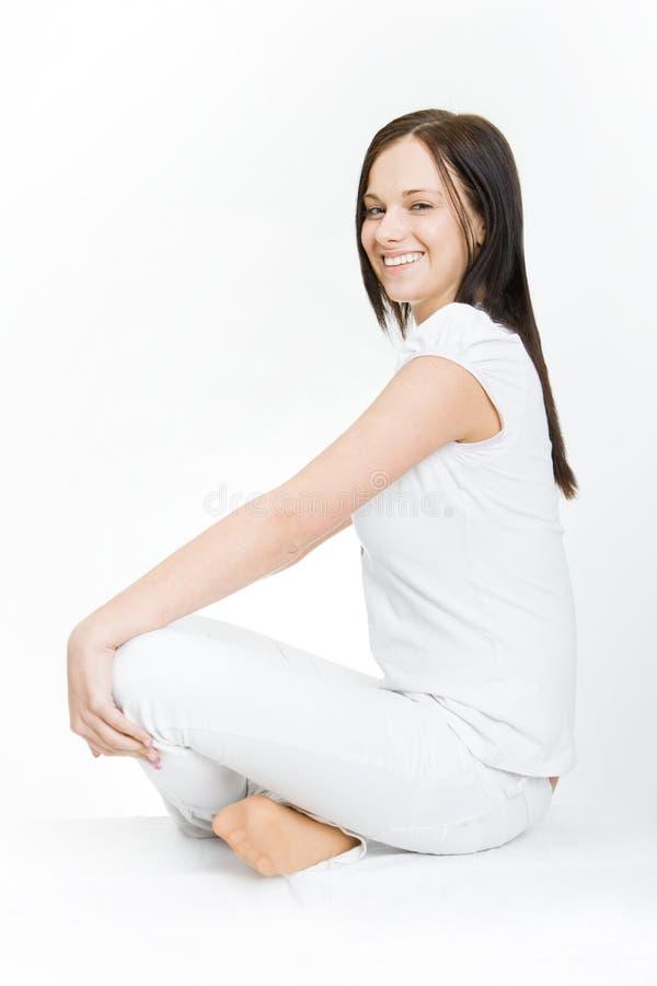 Frauen im weißen Stationieren stockfoto