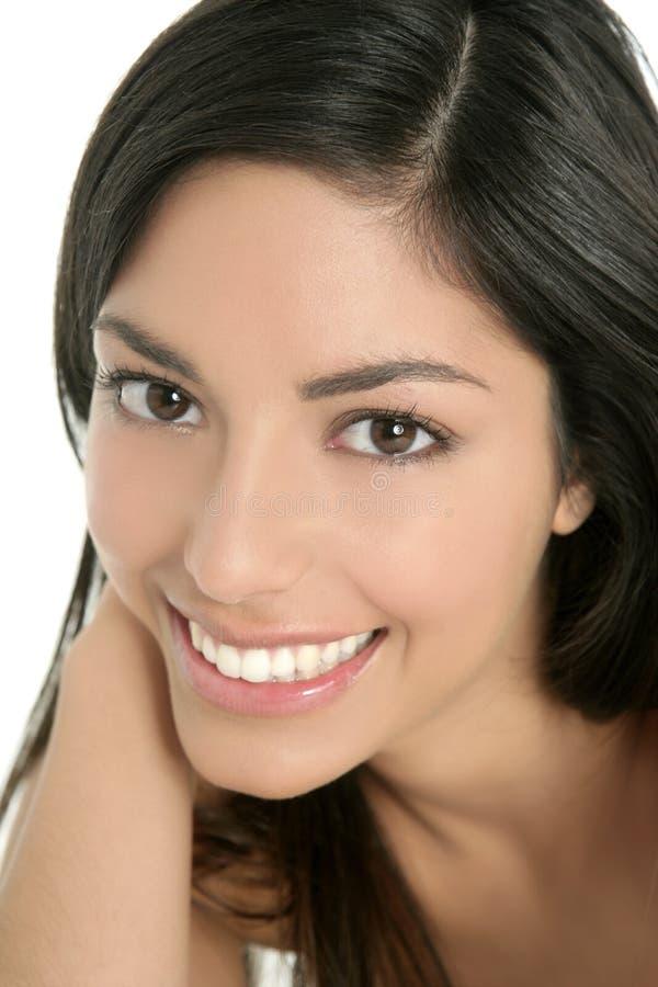 Frauen-Nahaufnahmeportrait des schönen Brunette indisches stockbild