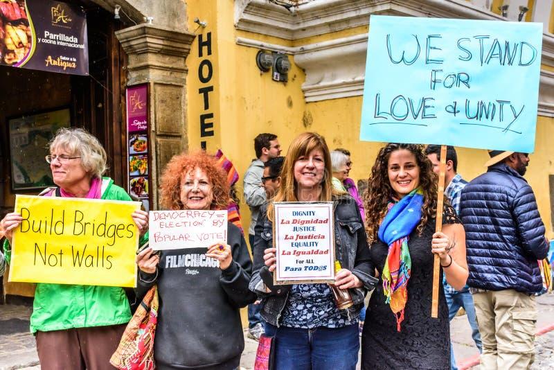 Frauen ` s März, Antigua, Guatemala stockfotografie