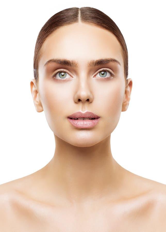 Frauen-Schönheits-Porträt, natürliches Lippenaugen-Make-up, Gesichts-Hautpflege stockfotografie