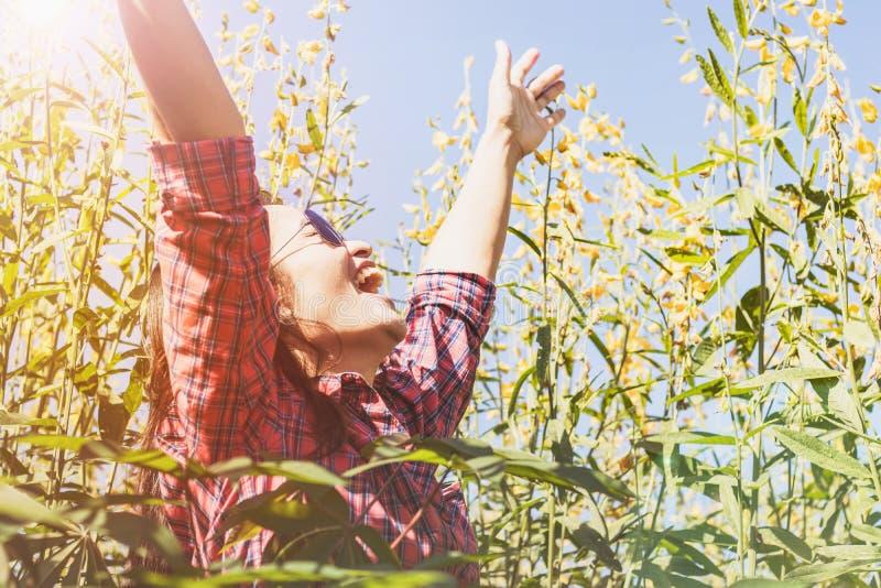 Frauen sehr glücklich lizenzfreies stockfoto