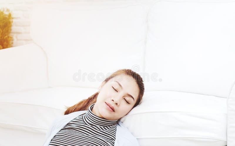 Frauen sind müde stockfotografie