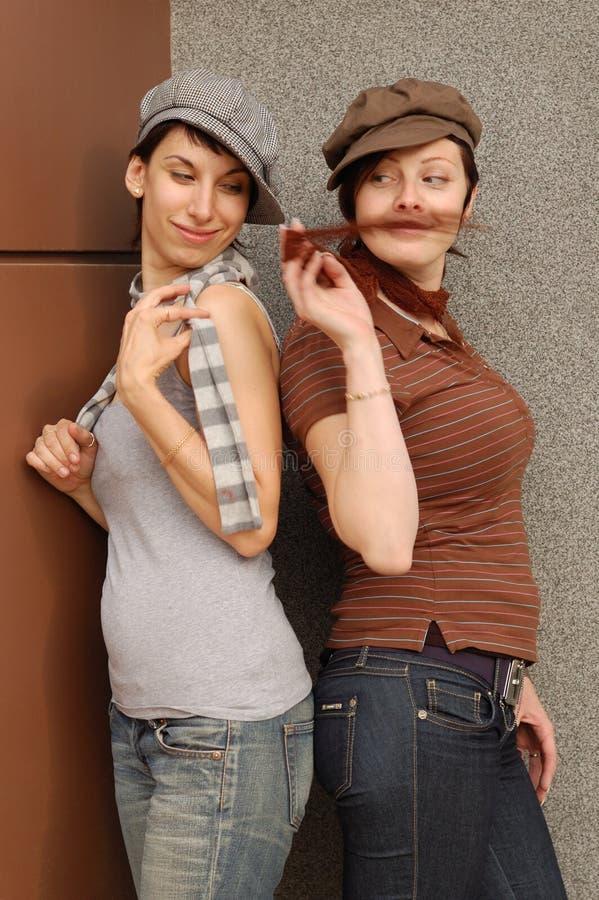 Frauen verbinden im Freien lizenzfreie stockfotos