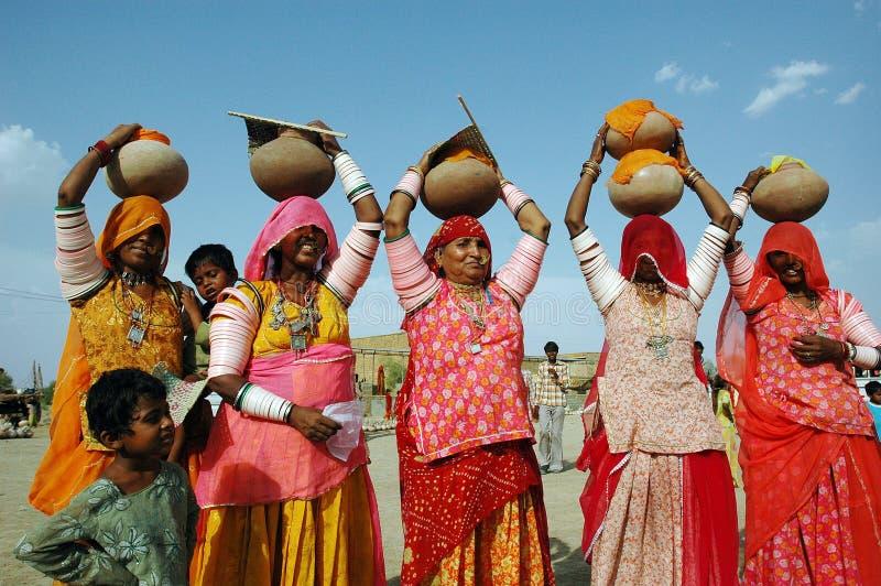 Frauen von Rajasthan in Indien. stockfotografie