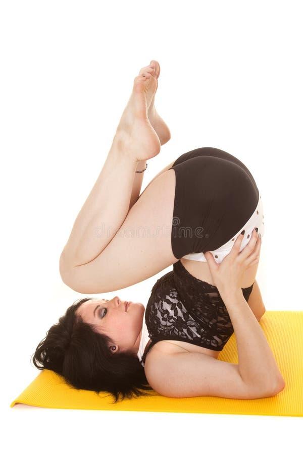 Fraueneignungsgelb-Mattenkolben oben lizenzfreie stockfotografie