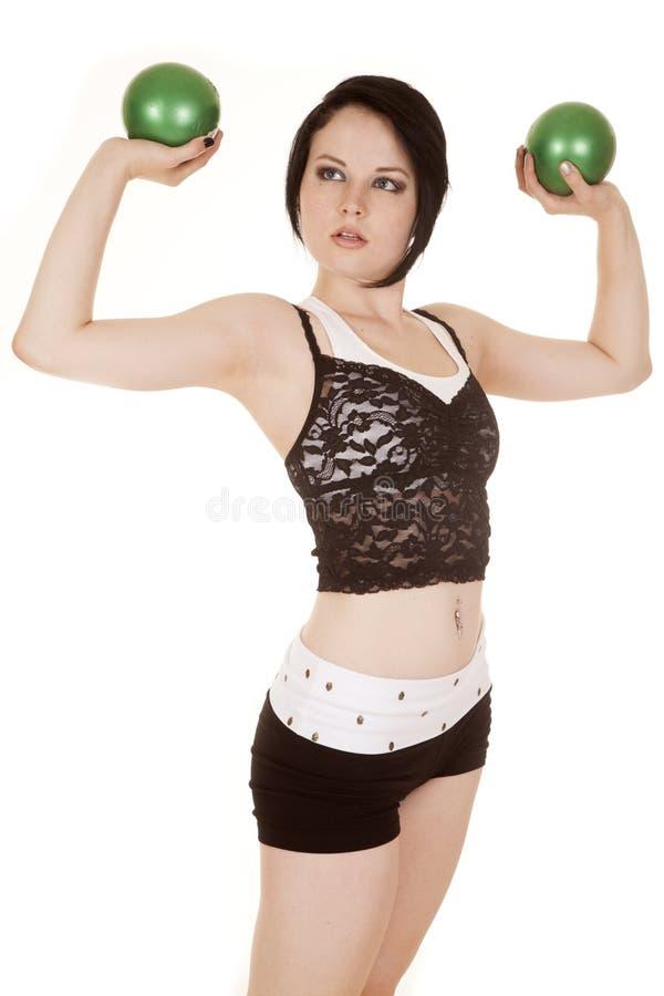 Fraueneignungsspitzenoberteil-Grünbälle biegen oben stockfotografie