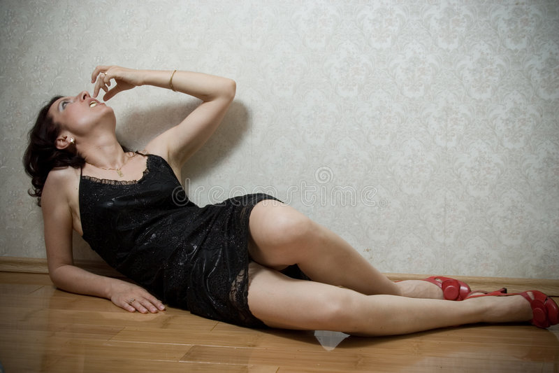 Frauenessen lizenzfreie stockbilder