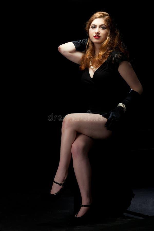 Frauenfilm noir lizenzfreie stockbilder