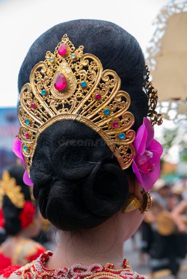 Frauenfrisurndetails während der Zeremonie von Nyepi Bali, I lizenzfreie stockbilder