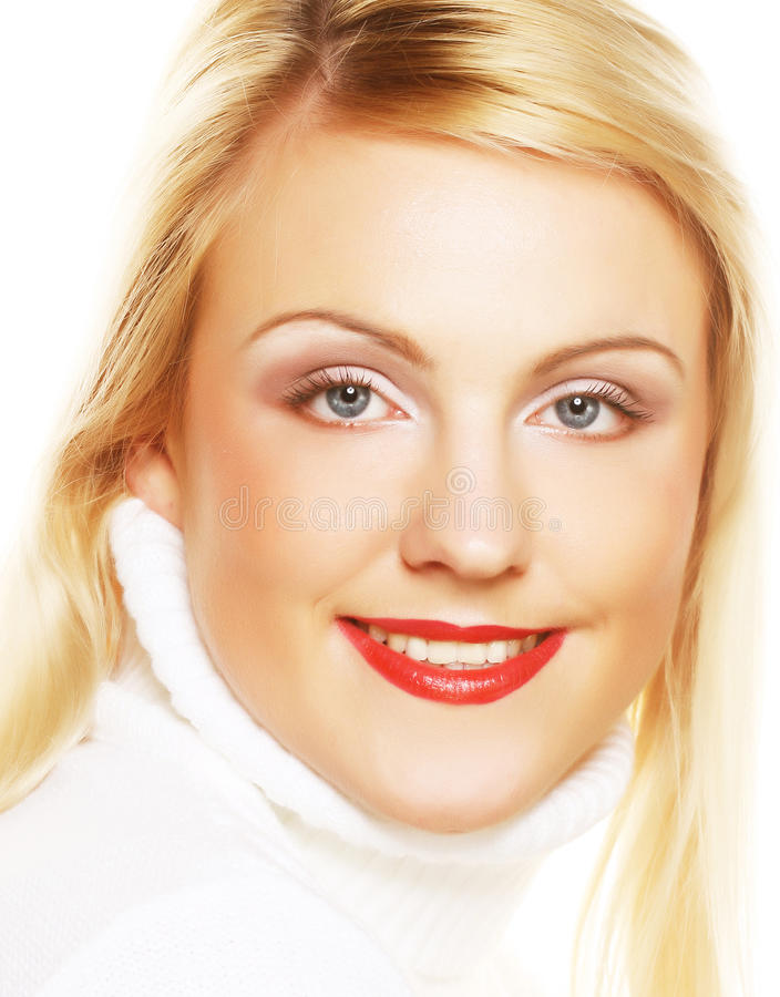 Frauengesichtsnahaufnahme mit klarem rotem Lippenstift stockbild