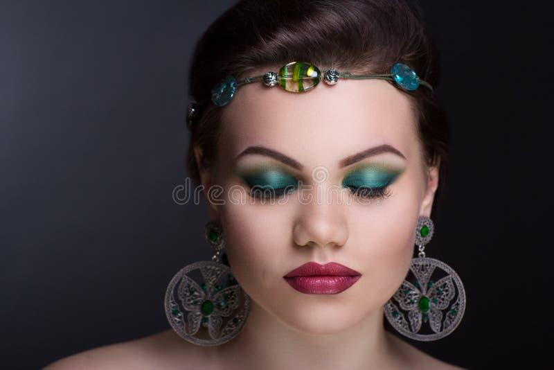 Frauengrün bilden lizenzfreie stockfotografie