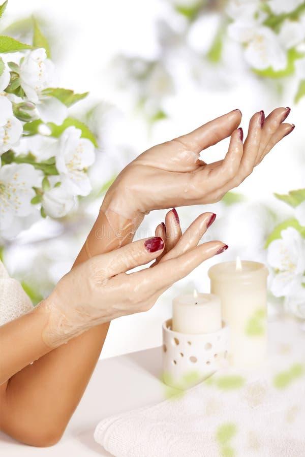 Frauenhand  lizenzfreie stockbilder