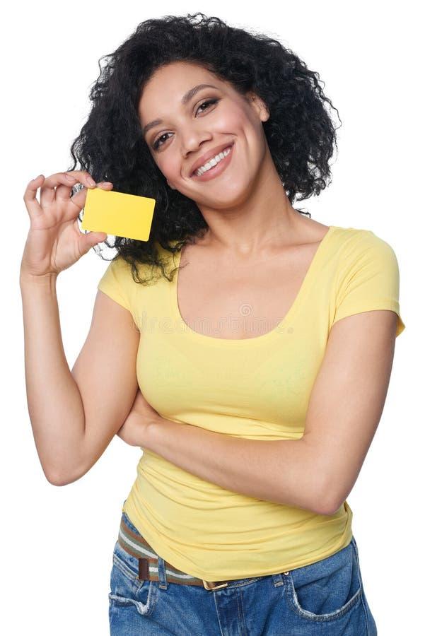 Frauenholding Kreditkarte lizenzfreie stockbilder