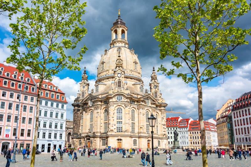 Frauenkirche Church of Our Lady on New Market square Neumarkt, Dresden, Tyskland royaltyfri foto