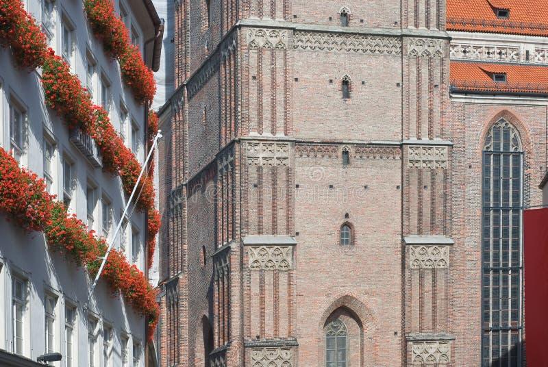 Download Frauenkirche i Munich fotografering för bildbyråer. Bild av sceniskt - 27285095