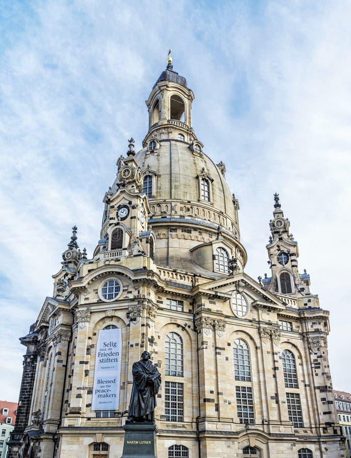 Frauenkirche met Martin Luther-standbeeld in Dresden, Duitsland royalty-vrije stock fotografie