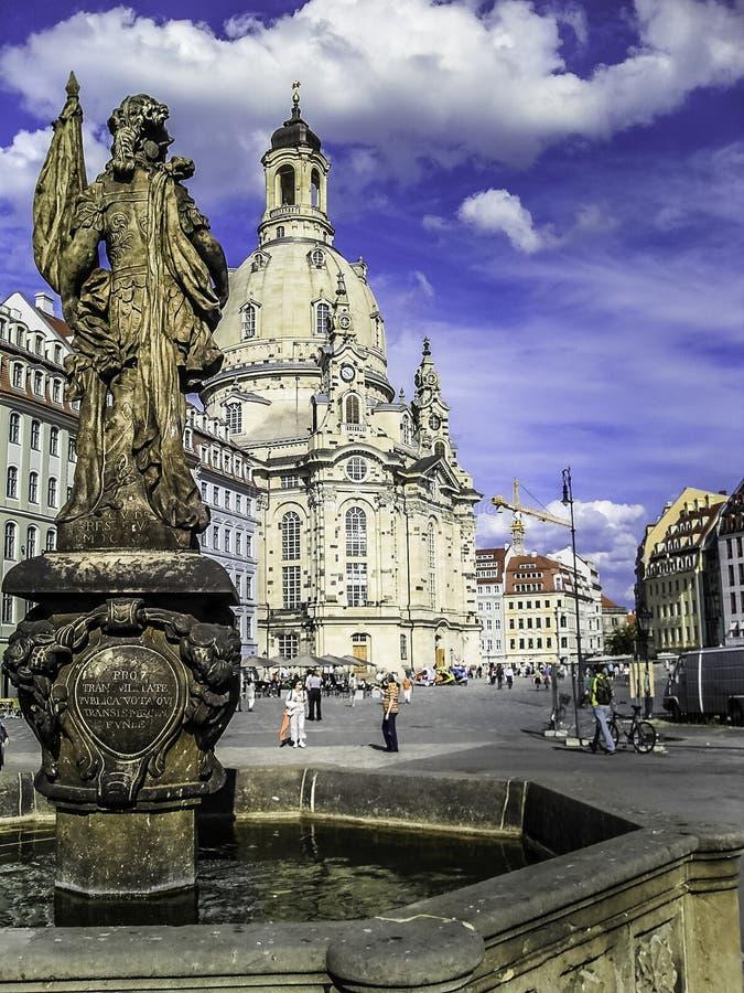 Frauenkirche& Neumarkt -上午Judenhof 免版税图库摄影