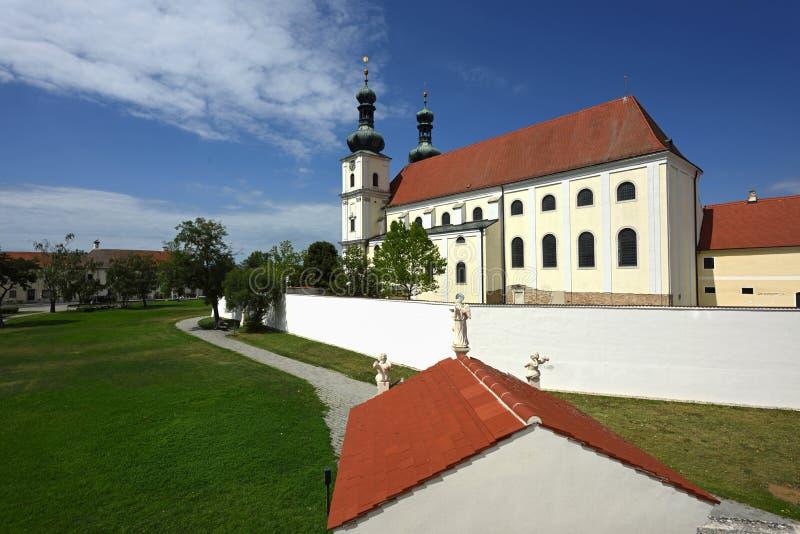 Frauenkirchen Basilika, Burgenland, Österrike royaltyfria foton