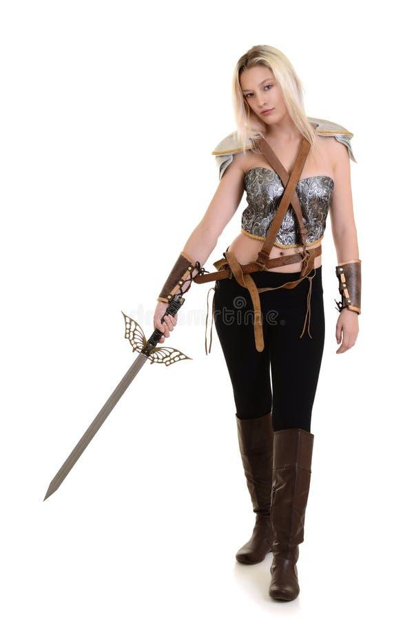 Frauenkrieger mit Klinge stockfotos