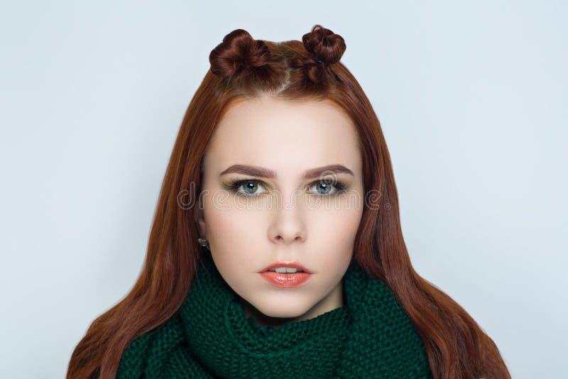 Frauenkunsthaar lizenzfreie stockfotografie
