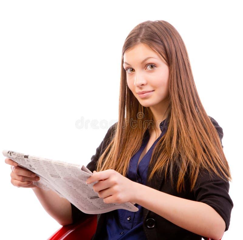 Frauenlesezeitung stockfotografie