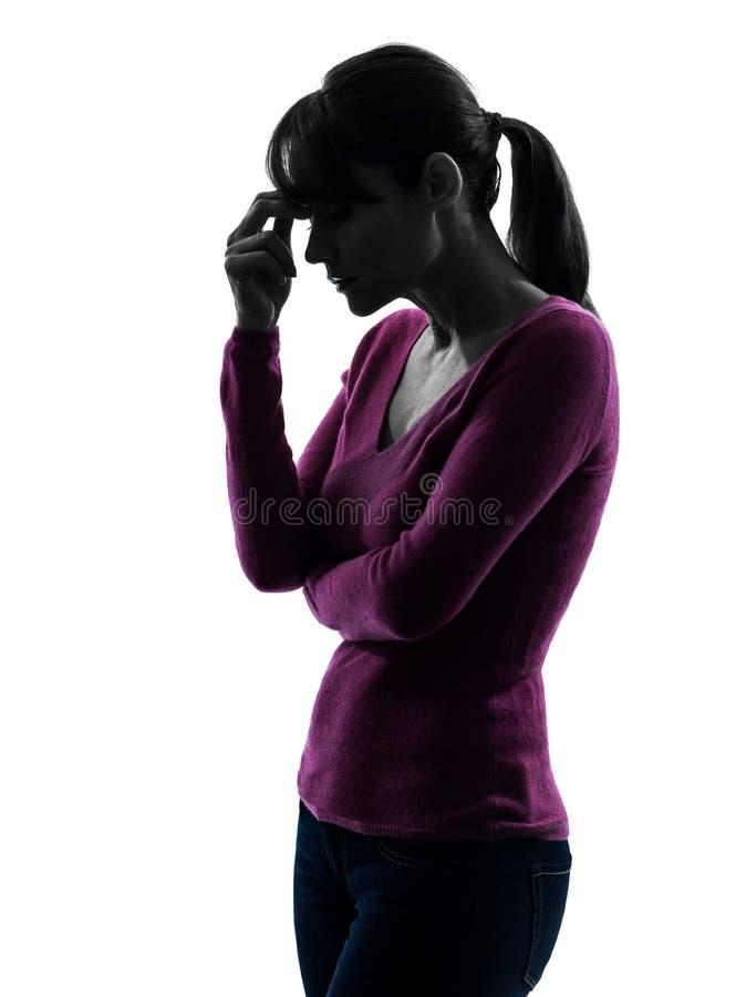 Frauenmigränekopfschmerzen-Porträtschattenbild lizenzfreies stockfoto