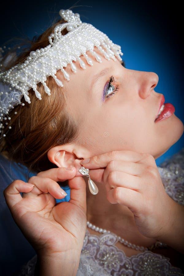 Frauennahaufnahme-Hochzeitsportrait stockfotos