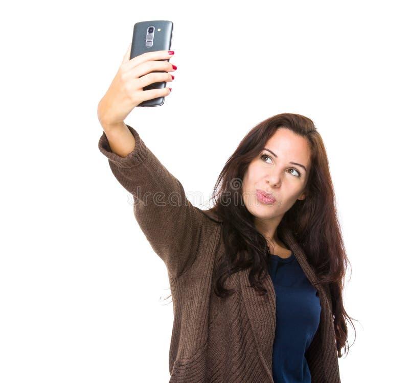 Frauennehmen selfie stockfotografie