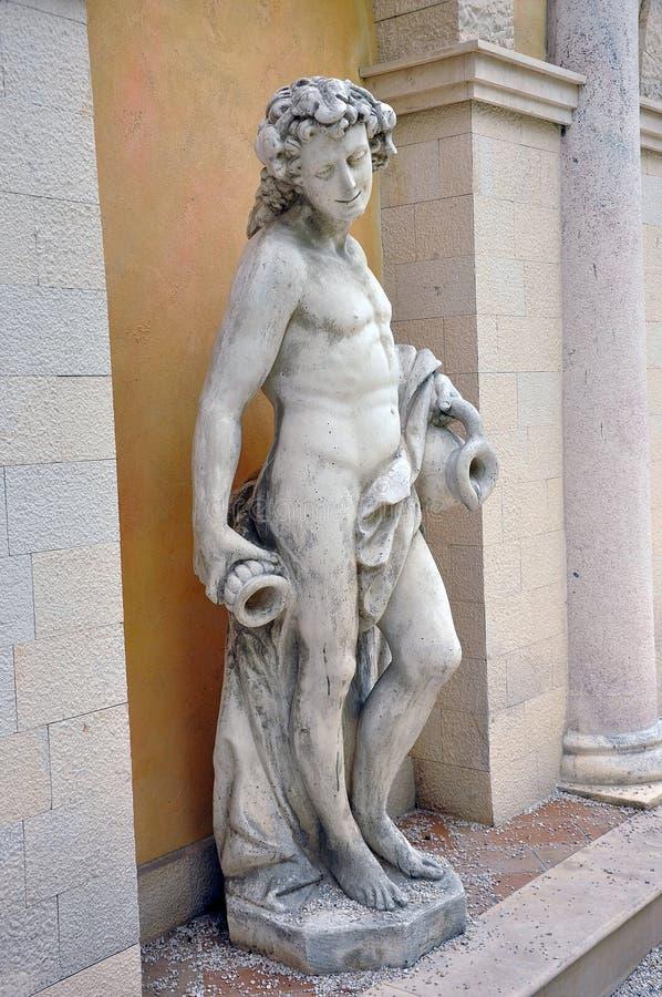 Frauenstatue stockbild